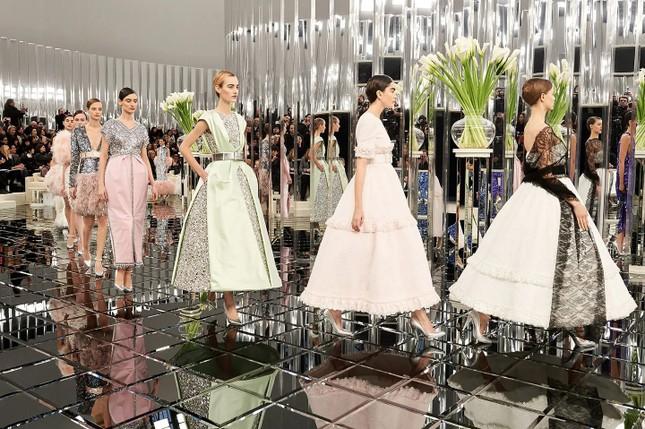 """Sao Hàn diện đồ Haute Couture: BLACKPINK dù đỉnh cao nhưng vẫn chịu thua """"chị đại"""" này ảnh 1"""