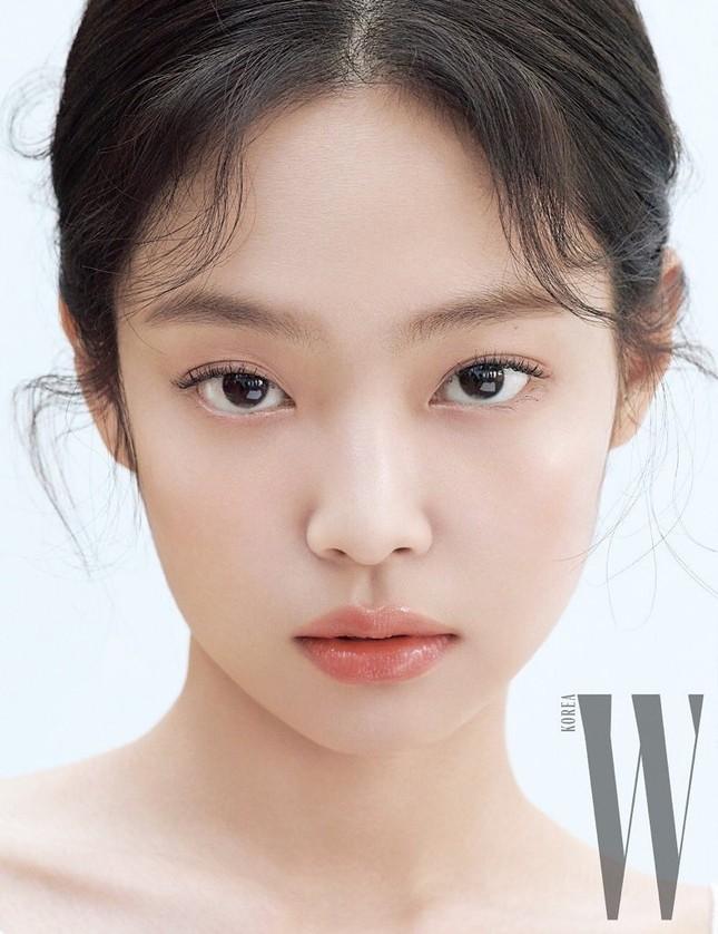 """Những nữ idol khiến bạn phải thay đổi quan điểm """"chỉ có mắt hai mí mới đẹp"""" ảnh 1"""
