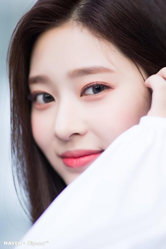 """Những nữ idol khiến bạn phải thay đổi quan điểm """"chỉ có mắt hai mí mới đẹp"""" ảnh 5"""