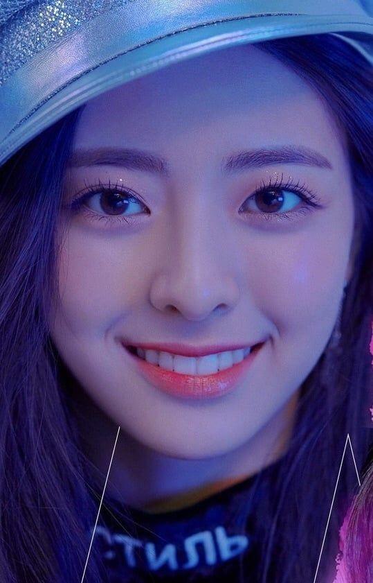 """Những nữ idol khiến bạn phải thay đổi quan điểm """"chỉ có mắt hai mí mới đẹp"""" ảnh 7"""