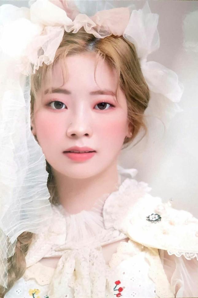 """Những nữ idol khiến bạn phải thay đổi quan điểm """"chỉ có mắt hai mí mới đẹp"""" ảnh 3"""
