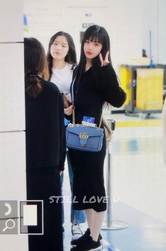 Trước khi dính bê bối bắt nạt, Soojn (G)I-DLE từng hai lần bị phát hiện đeo túi nhái ảnh 3