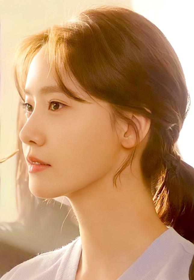 """Xinh đẹp như Yoona vẫn bị chuyên gia trang điểm than phiền """"làm rất khó"""" là sao? ảnh 2"""