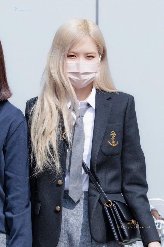 """Netizen cạn lời khi bóc giá đồng phục đi học của Rosé: Định đóng phim """"The Heirs"""" hay gì? ảnh 3"""