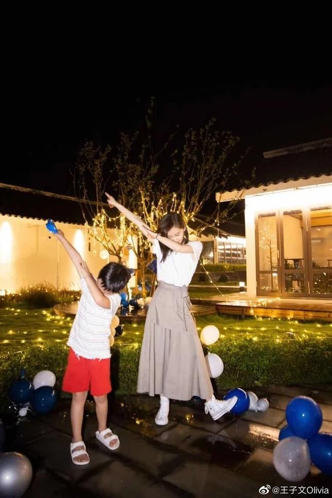Nàng thơ Dior Beauty Trung Quốc công khai chuyện bí mật có con theo cách cực sốc ảnh 3