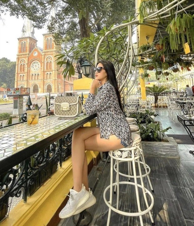 """Đã tìm ra thương hiệu """"chân ái"""" của Hoa hậu Đỗ Thị Hà khi gia nhập thế giới đồ hiệu ảnh 4"""