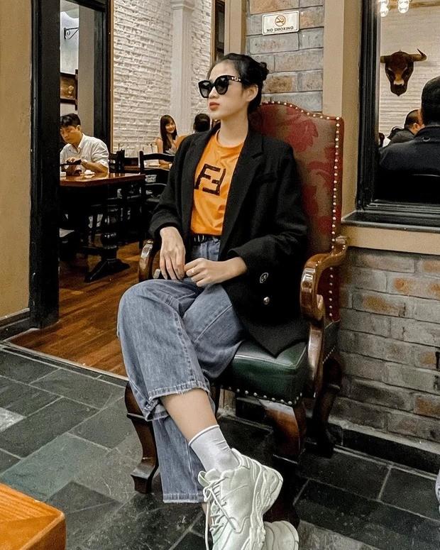 """Đã tìm ra thương hiệu """"chân ái"""" của Hoa hậu Đỗ Thị Hà khi gia nhập thế giới đồ hiệu ảnh 1"""