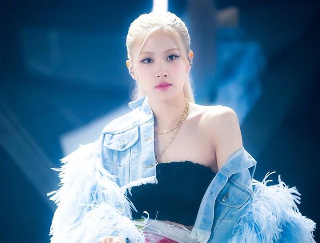 Bảng xếp hạng thành viên nhóm nữ tháng 3: Vì sao Jennie tụt hạng mà BLINKs vẫn vui? ảnh 2