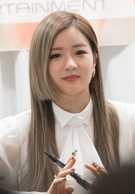 """""""Đu trend"""" tóc Hime rất muộn nhưng """"mỹ nữ 4000 năm"""" Cúc Tịnh Y lại được khen nhiều nhất ảnh 6"""
