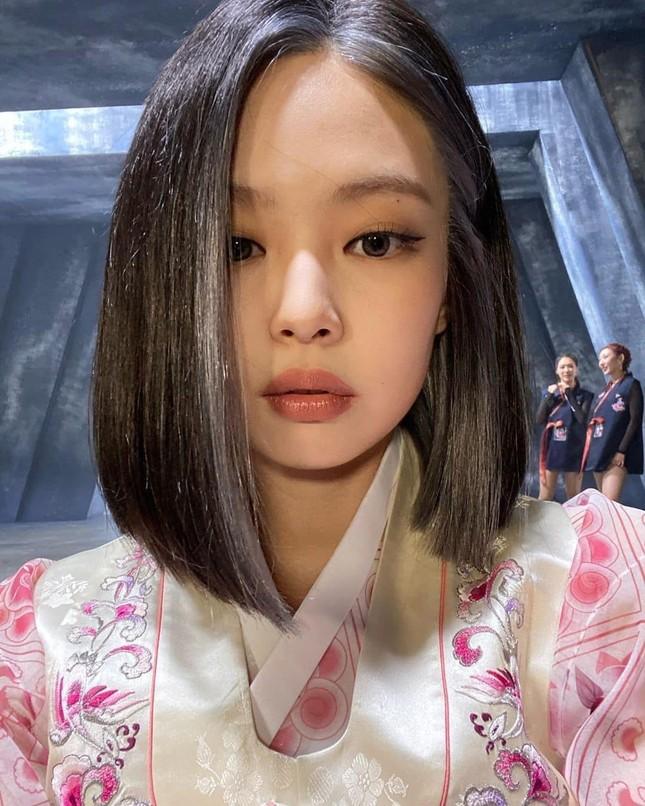 """Không phải idol xinh đẹp nhất nhưng Jennie chính là cô gái """"cân được mọi kiểu tóc"""" ảnh 12"""