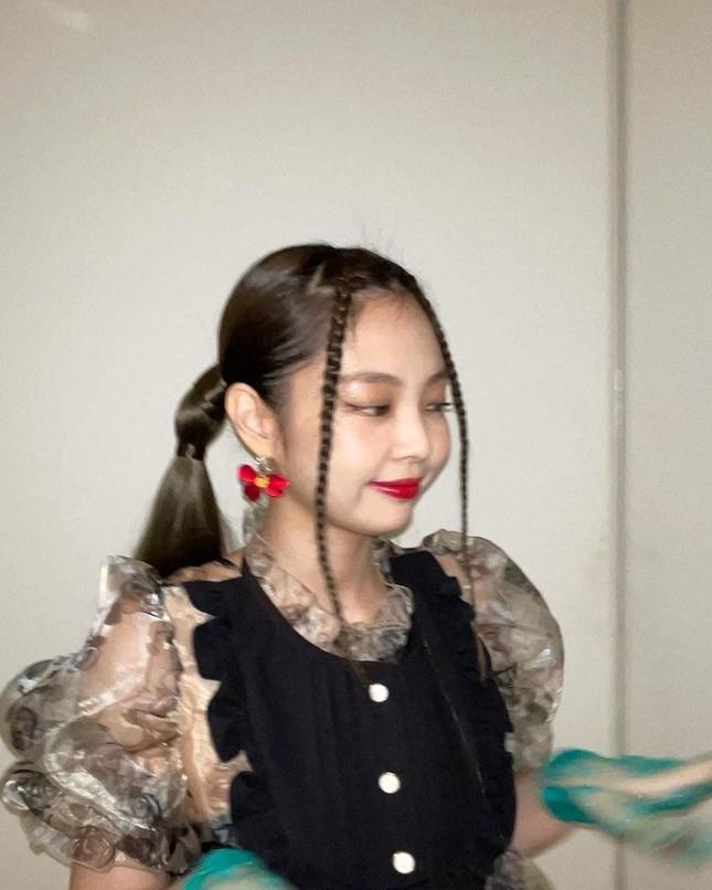 """Không phải idol xinh đẹp nhất nhưng Jennie chính là cô gái """"cân được mọi kiểu tóc"""" ảnh 4"""