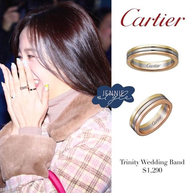 Giờ thì fan đã biết vì sao Jisoo (BLACKPINK) lại đeo chiếc nhẫn Cartier này nhiều đến thế ảnh 2