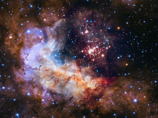 """Xem ảnh chụp vũ trụ trong ngày sinh: Người đẹp lung linh, người nhận hình """"thật ba chấm"""" ảnh 2"""