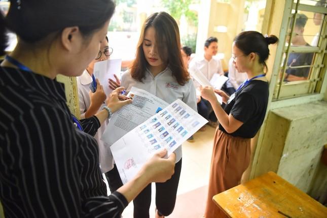 Bạn có thuộc 3 nhóm đối tượng được miễn tất cả bài thi tốt nghiệp THPT 2020? ảnh 2