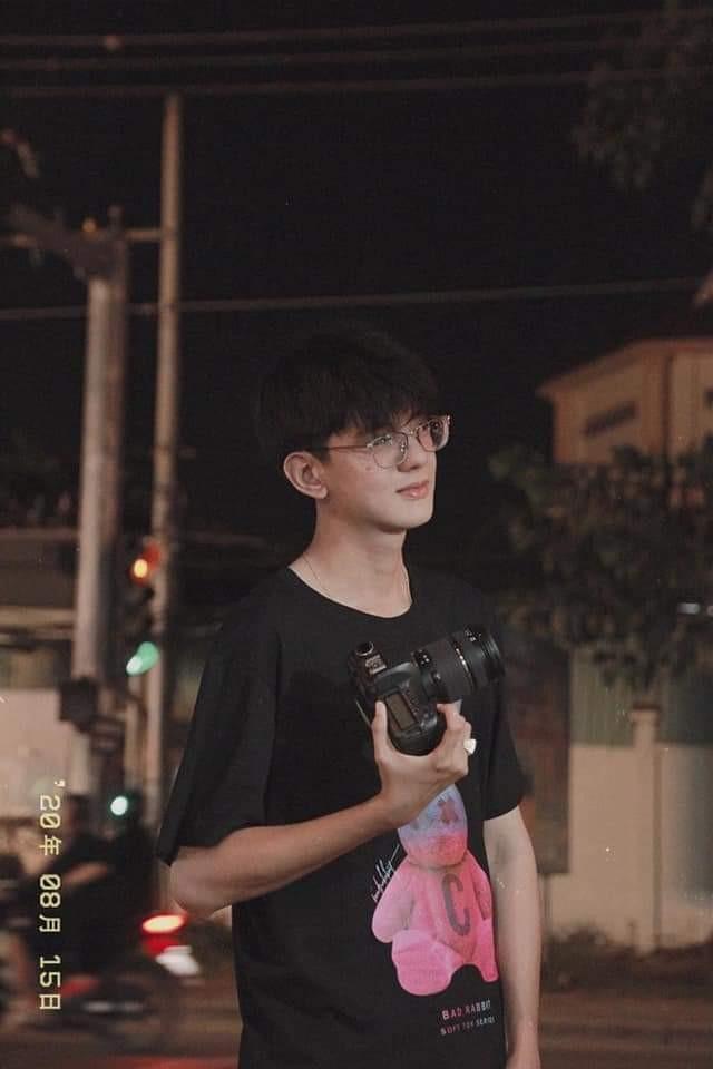"""Chàng cameraman Cần Thơ khiến hội chị em ngẩn ngơ vì nhan sắc """"cực phẩm"""" ảnh 1"""