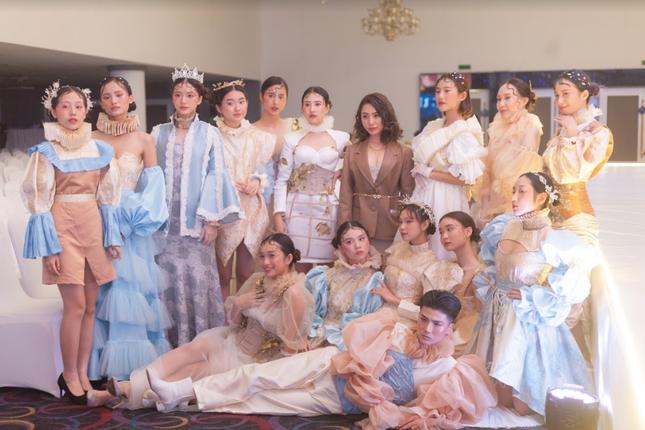 LaMode 2020: Mãn nhãn với show thời trang lấy cảm hứng từ thời kỳ Phục Hưng của Amser ảnh 6