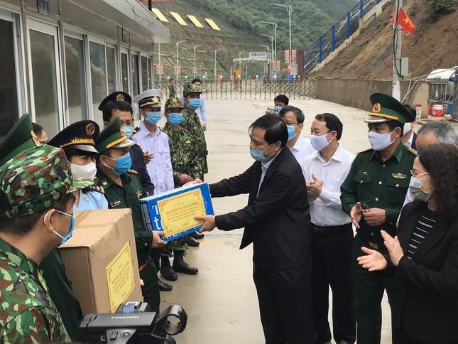 Mở đường dây nóng với Trung Quốc để xử lý nông sản ùn ứ ảnh 3