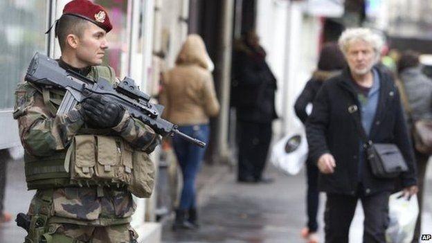 Nhìn lại những vụ khủng bố kinh hoàng tại Pháp ảnh 4