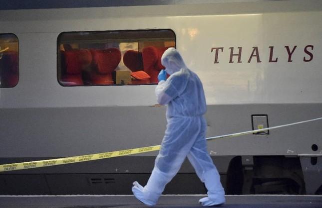 Nhìn lại những vụ khủng bố kinh hoàng tại Pháp ảnh 3
