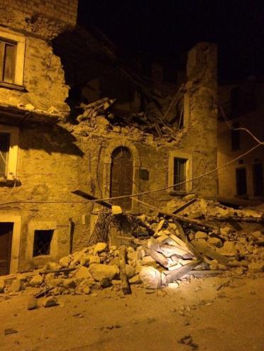 Động đất rung chuyển Italia, ít nhất 6 người thiệt mạng ảnh 2