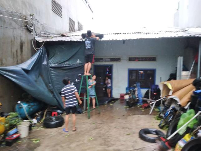 Bão số 9 áp sát, Quảng Ngãi mưa lớn, gió rít từng hồi ảnh 18
