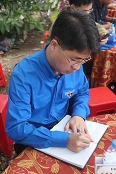 Truy tặng 'Huy hiệu Tuổi trẻ dũng cảm' cho hiệp sỹ Nguyễn Hoàng Nam ảnh 4