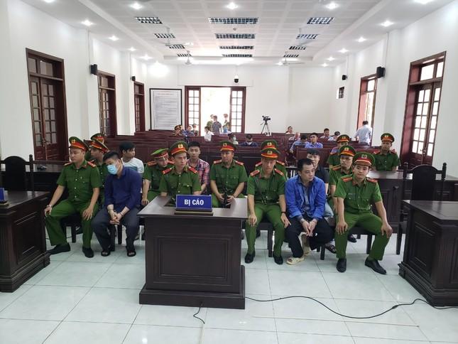 Vụ giang hồ vây xe chở công an ở Đồng Nai: 'Giang 36' bị tuyên 4 năm tù ảnh 1
