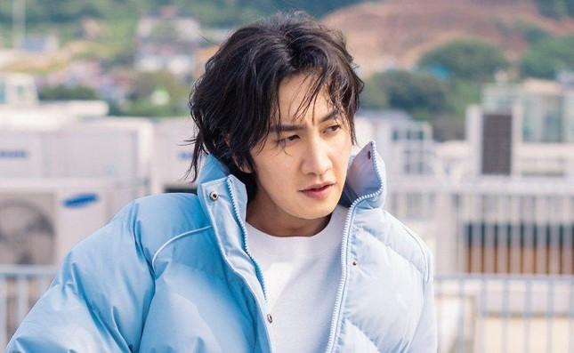 """Netizen tiếc nuối khi """"Thánh phản bội"""" Lee Kwang Soo chính thức rời """"Running Man"""" ảnh 2"""