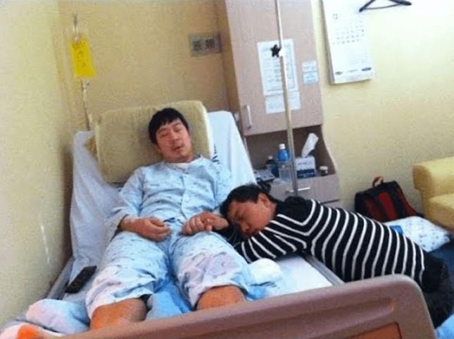 """Không chỉ Kwang Soo, chấn thương dồn nén sau nụ cười của tất cả thành viên """"Running Man"""" ảnh 2"""