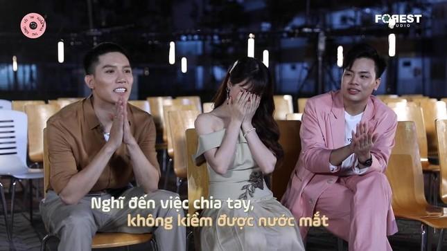 """Hòa Minzy khóc nức nở vì tiếc nuối khi """"Xuân Hạ Thu Đông Rồi Lại Xuân"""" mùa 1 khép lại ảnh 4"""