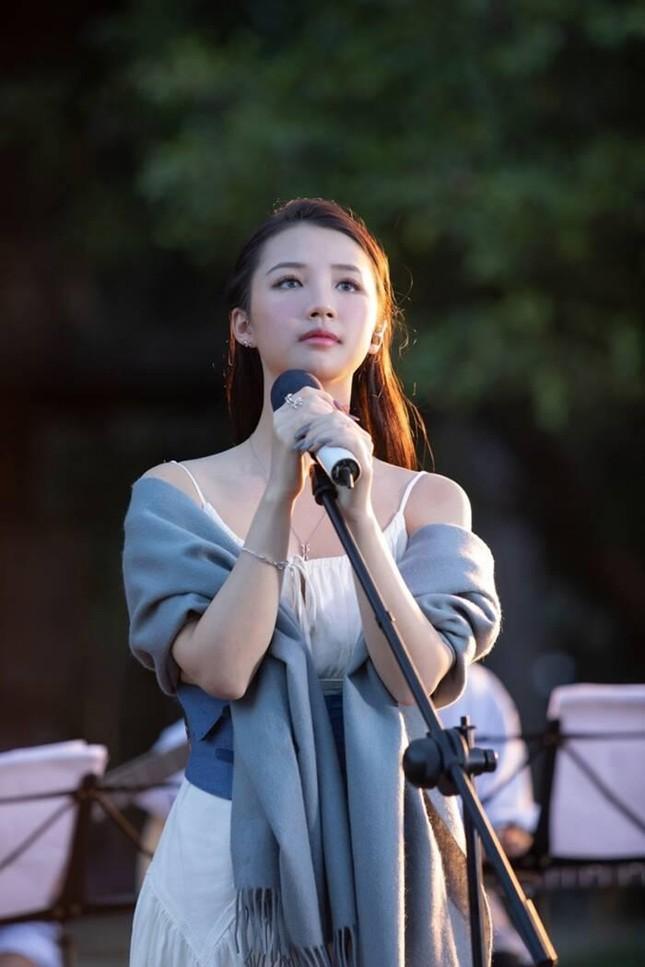 """Netizen """"đào"""" lại clip hát live """"nguyên bản"""" của AMEE và khuyên cô nên làm ngay điều này ảnh 6"""