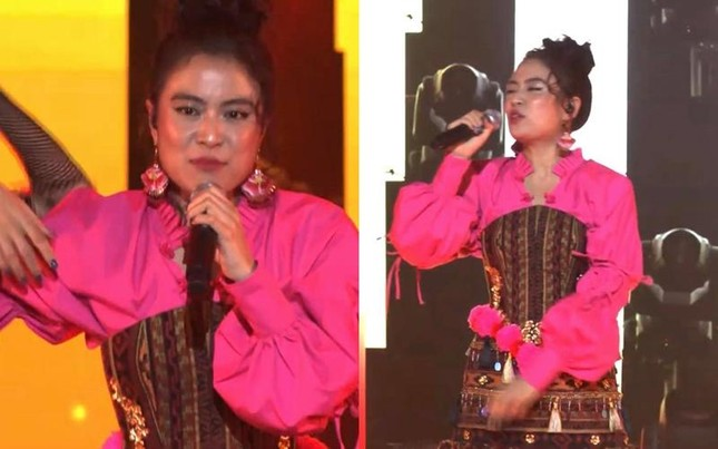 """Hết AMEE đến Hoàng Thùy Linh trở thành """"nạn nhân"""" của âm thanh livestream ảnh 3"""