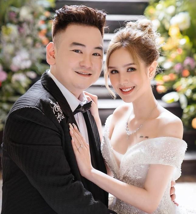 """""""Streamer giàu nhất Việt Nam"""" Xemesis lên sóng truyền hình """"kể tội"""" vợ Xoài Non ảnh 4"""