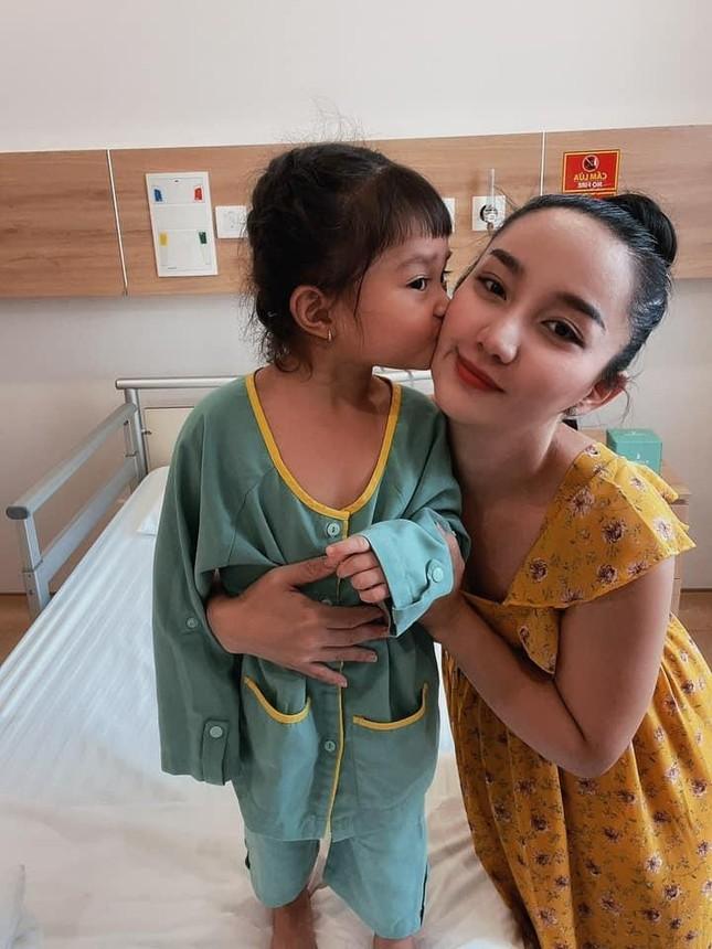 Con gái Lê Dương Bảo Lâm mới 3 tuổi đã phải trải qua phẫu thuật ảnh 2