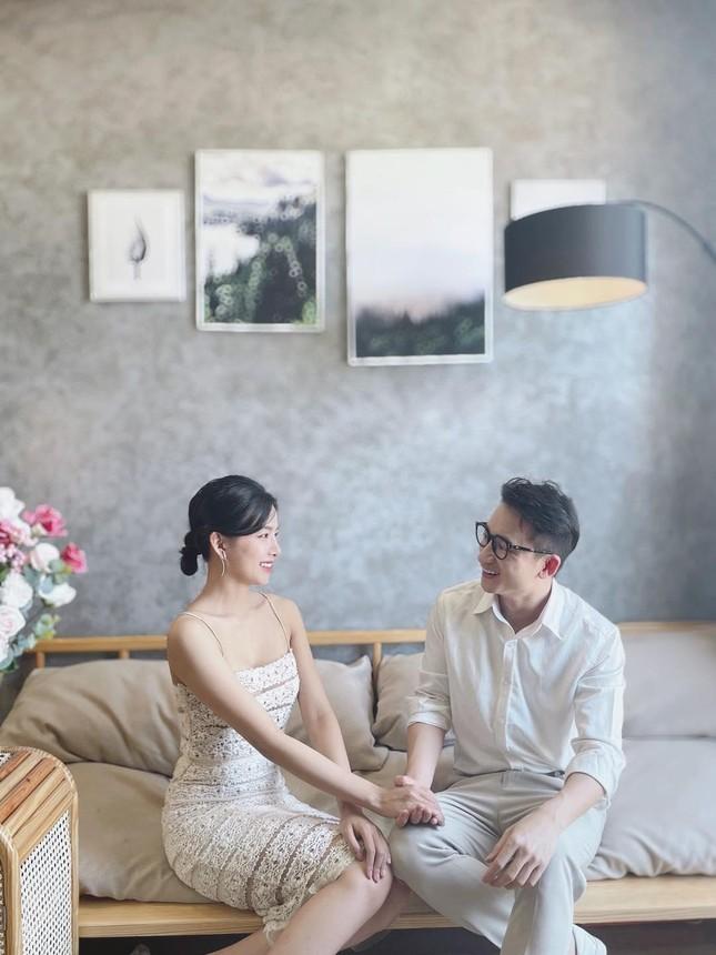 """Hơn 1 tuần nữa, nhạc sĩ Phan Mạnh Quỳnh và bạn gái hotgirl sẽ chính thức """"về chung nhà""""?  ảnh 2"""