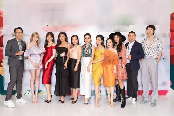 """Sơn Tùng vừa trở lại MXH, netizen phát hiện """"Thiều Bảo Trâm đi chơi riêng với Tuấn Trần""""? ảnh 3"""