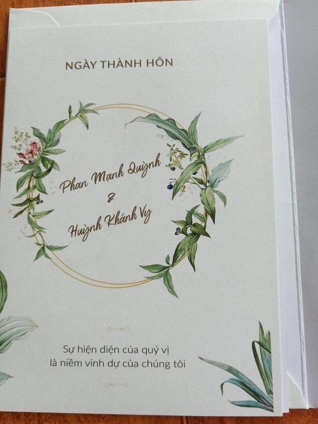 """Phan Mạnh Quỳnh hóa """"soái ca"""" trong lễ cưới, nhưng nhan sắc cô dâu mới là tâm điểm ảnh 4"""