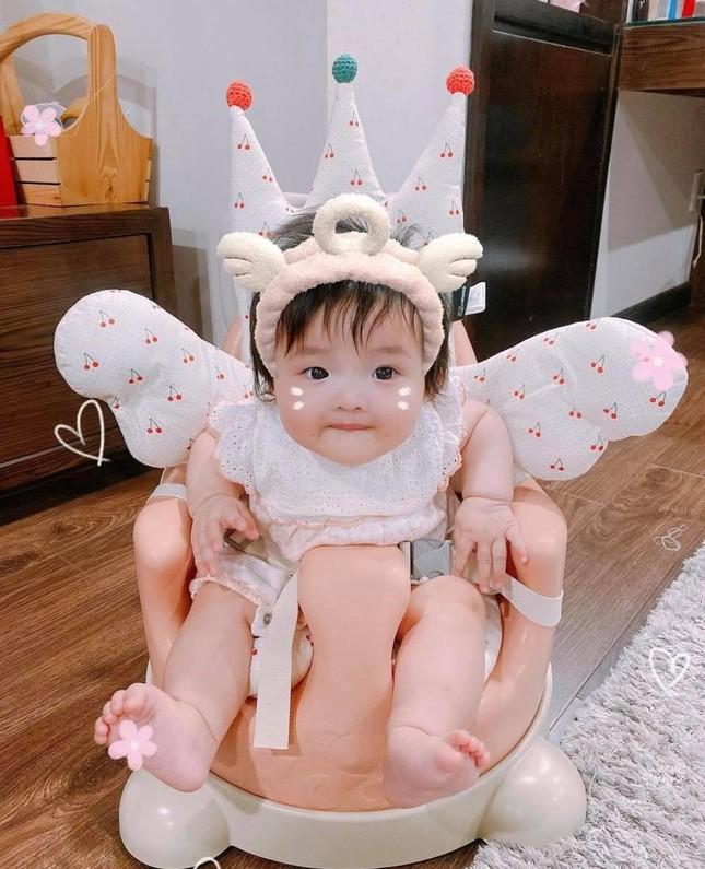 """Vừa """"hổ báo"""" hôm trước, hôm sau bé Winnie - con gái Đông Nhi đã trở thành """"thánh meme"""" ảnh 3"""