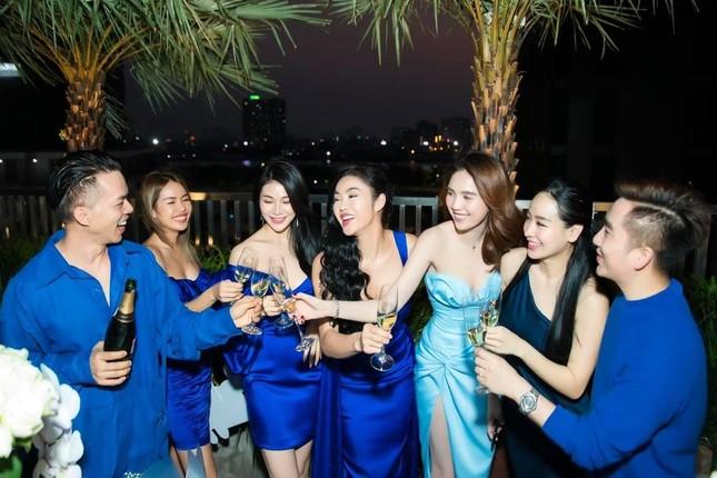 Choáng với yêu cầu để gia nhập hội bạn của Ngọc Trinh, có hẳn lệ phí cho thành viên mới? ảnh 3
