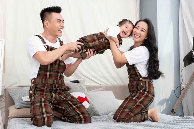"""Nhìn gia đình viên mãn của Lê Dương Bảo Lâm để thấy tầm quan trọng của """"nóc nhà"""" vững chắc ảnh 6"""