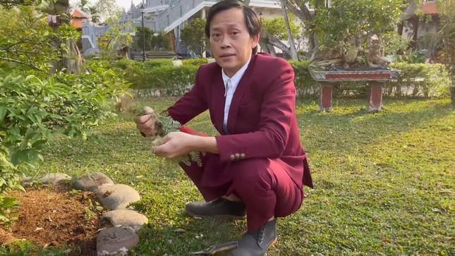 """Không phải ai khác, nghệ sĩ Hoài Linh mới là """"ông trùm"""" mạng xã hội của V-Biz! ảnh 2"""
