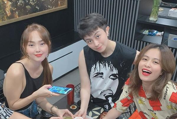 """Gil Lê bất ngờ làm """"phó nháy"""" cho Hoàng Thùy Linh, netizen tiếp tục """"đẩy thuyền"""" ảnh 4"""