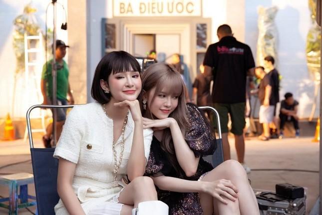 """Dự báo Top trending: Thiều Bảo Trâm kết hợp với Hiền Hồ, khoe visual """"một chín một mười"""" ảnh 1"""