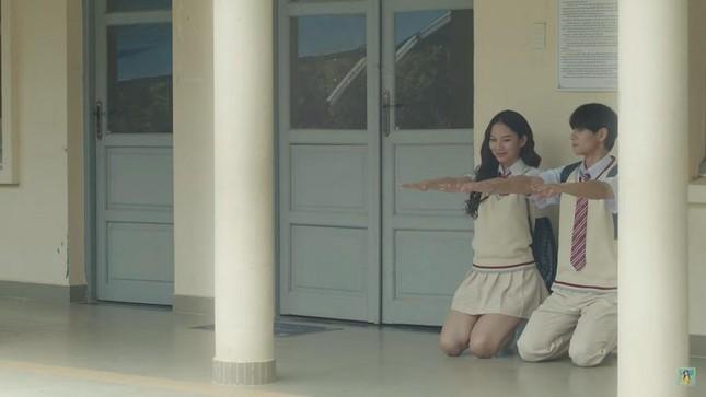 """Phí Phương Anh lại gây tranh cãi khi """"bê"""" nguyên hình ảnh của Trịnh Sảng vào MV mới ảnh 7"""