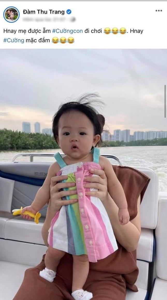 """Đàm Thu Trang gọi yêu con gái là """"Cường con"""", cùng Cường Đôla du ngoạn sông Sài Gòn ảnh 1"""