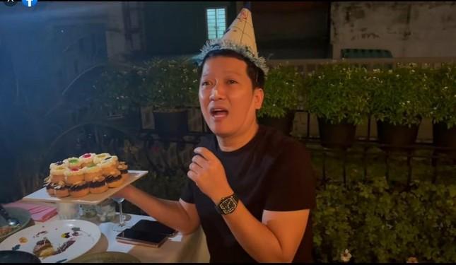 Trường Giang được tổ chức sinh nhật bất ngờ, Nhã Phương không quên dặn chồng nhớ ăn kiêng ảnh 3