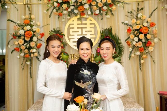 Ninh Dương Lan Ngọc háo hức lên chức chị chồng, netizen lại vào hối cưới ảnh 1