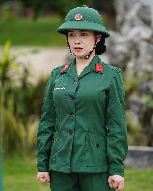 """Dương Hoàng Yến mời hội chị em """"Sao Nhập Ngũ"""" và Mũi trưởng Long xuất hiện trong MV mới? ảnh 5"""