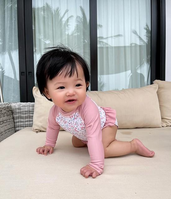 Con gái Cường Đôla khoe váy áo xịn xò, Đông Nhi được netizen nhắc làm điều này cho Winnie ảnh 3