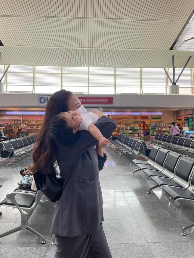 Con gái Cường Đôla khoe váy áo xịn xò, Đông Nhi được netizen nhắc làm điều này cho Winnie ảnh 5